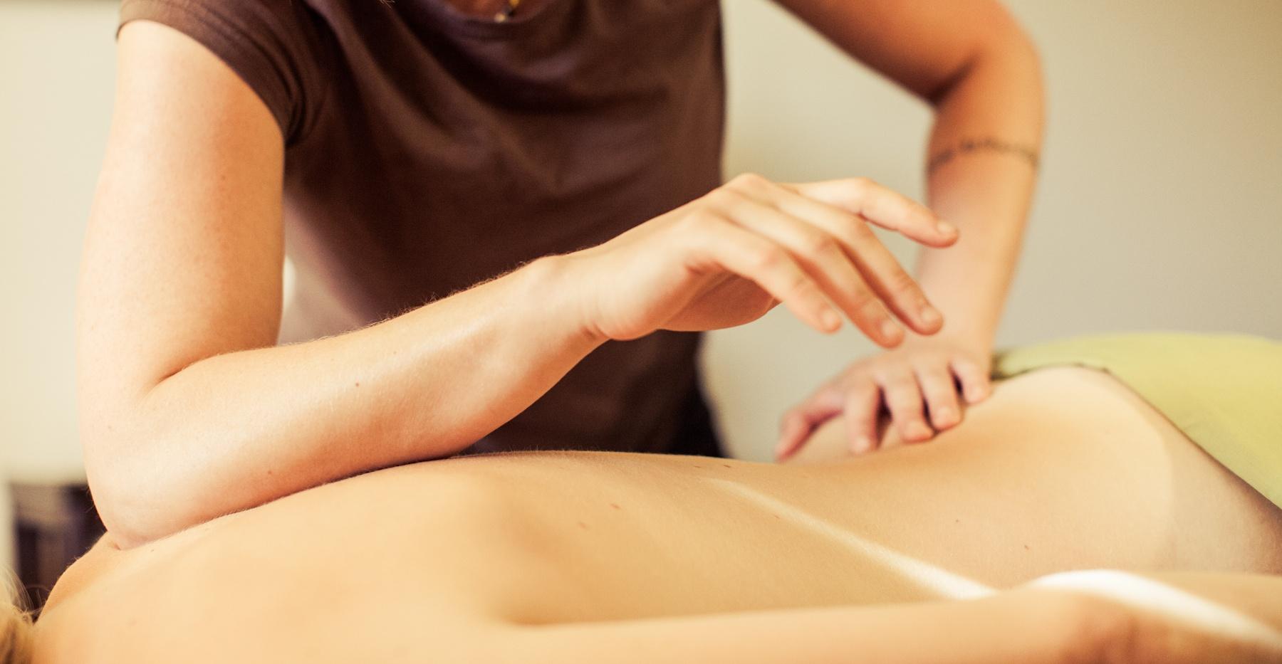 Deep Tissue massage in toronto